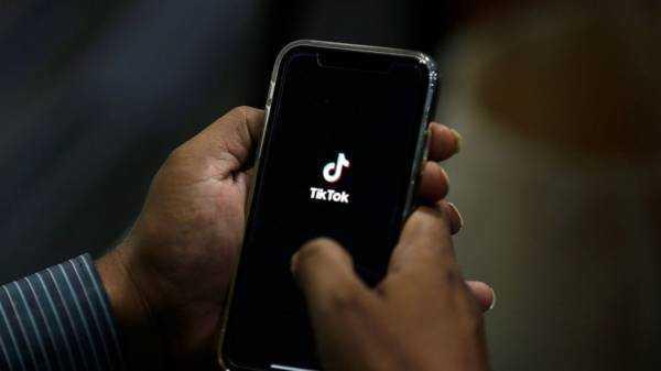 Pakistan warns TikTok video service, blocks Bigo Live app