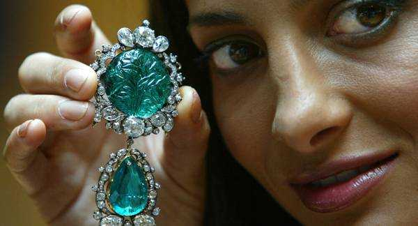 Five Indian Items That Fetched Big Prices at Auctions as 'Gandhi's Gold Glasses' Go Under the Hammer