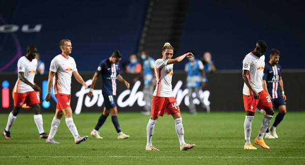 PSG Fans Celebrate Winning Champions League Semi-Final
