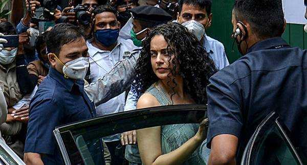 Show Business is Absolutely Intoxicating, Says Bollywood Actress Kangana Ranaut