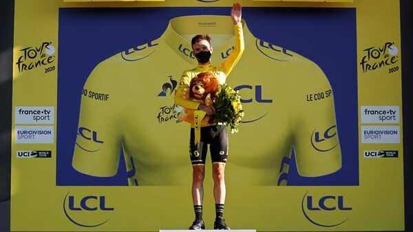 Bennett first Irishman since Kelly to take Tour de France green jersey