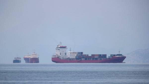 Stuck at sea: Nations urged to help virus-stranded mariners
