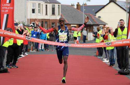 Mo Farah victorious in Northern Ireland half marathon