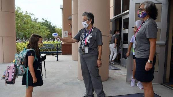 Weeks into school year, groups pushing for more transparent coronavirus data