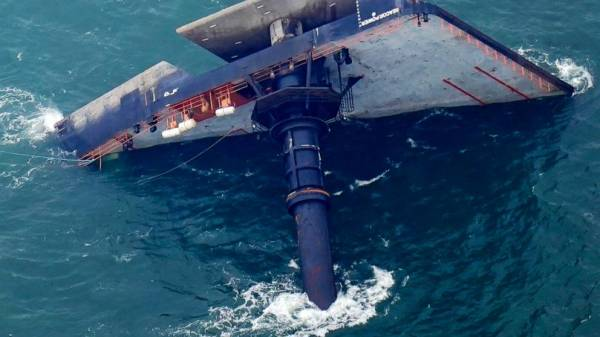 Families: 5th body found from capsized ship off Louisiana