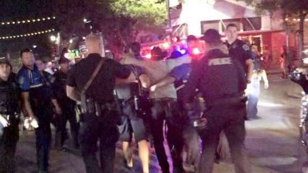 4 mass shootings in 6 hours leave 39 wounded, 5 dead across US