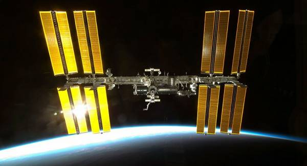 Russian, US Scientists Spar Over Causes of ISS Astronauts' Headache, Report Says