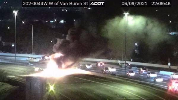 Milk tanker slams into cars in Phoenix, killing 4 people