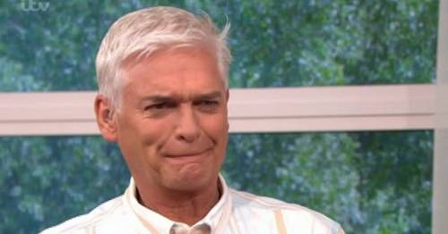 Phillip Schofield tries plumping lip gloss on This Morning and instantly regrets it