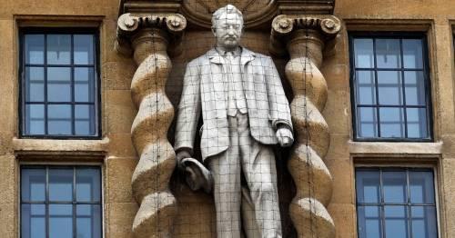 Oxford University teachers 'quit lessons' after college keeps Cecil Rhodes statue