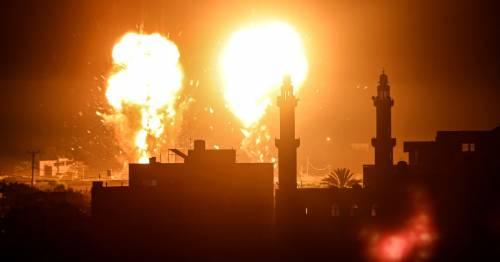 Israeli warplanes smash Gaza after Hamas launches scores of 'firebomb balloons' - World News