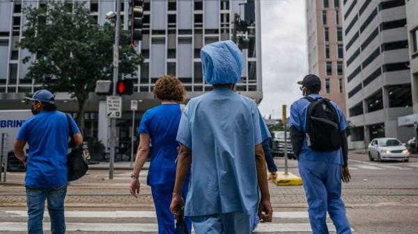 Judge tosses lawsuit against Houston hospital over staff vaccine mandate