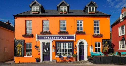 Pub praised for refusing to reopen doors until all staff can get Covid vaccine