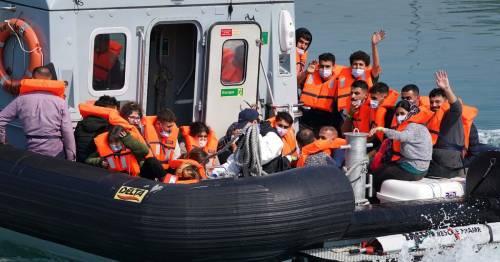 Inside Channel migrant crisis as hundreds arrive on British shores during heatwave