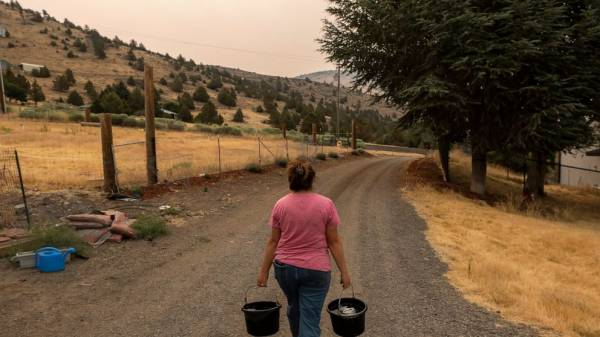 Homes lose water as wells run dry in drought-ravaged basin