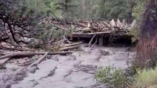 1 dead, 2 missing in Colorado flash flood: Sheriff