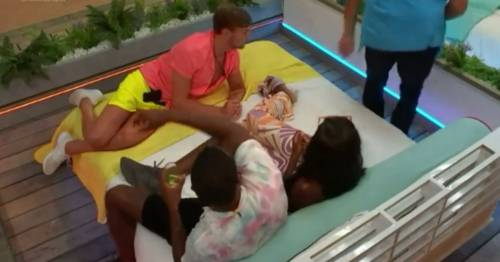 Eagle-eyed Love Island viewers spot huge editing blunder as Kaz appears mid-scene