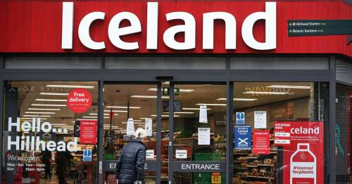 Iceland forced to recruit 2,000 extra workers as staff isolate in 'pingdemic'