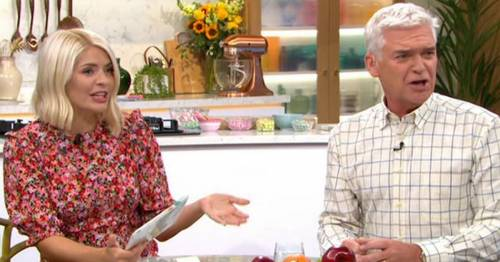 Holly Willoughby defends Harry and Meghan's airbrushed cover: 'Everyone uses filters'