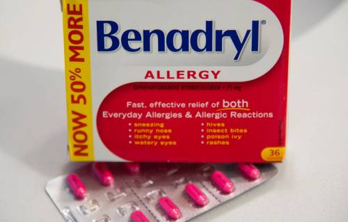 Medical experts urge caution over use of acetaminophen-based painkillers during pregnancy