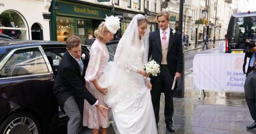 Royal bride stuns shoppers as she walks down busy high street on way to her wedding