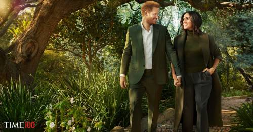 Fans mock 'awkward' new Meghan Markle and Harry photos and say snaps 'speak volumes'