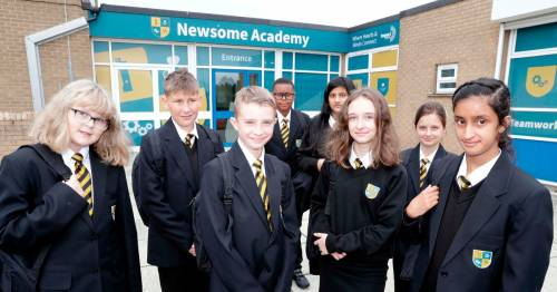 Headteacher 'breaking down barriers' with amazing uniform policy at school