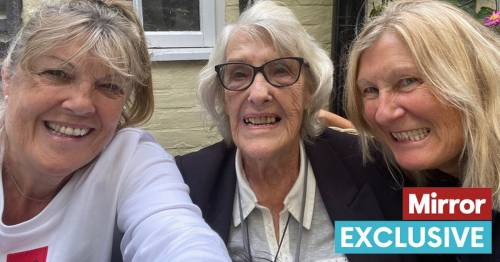 Mum raised glass for a final toast before cheerfully downing fatal drink at Dignitas - World News