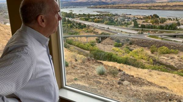 Big tech data centers spark worry over scarce Western water